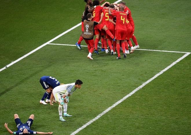 """「なぜ日本は90分のCKで注意を…」FIFA公式が""""ロストフの悲劇""""に再脚光! 伝説の速攻にファンから賛否"""
