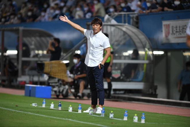 【横浜FC】感染のリスクを背負いながらも――下平隆宏監督が語る「義務」