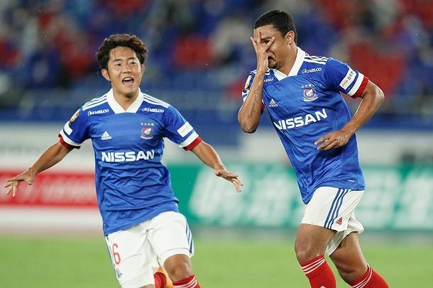 昨季王者・横浜が前半の3得点で連敗を「3」でストップ!清水は退場が響きクラブワーストに並ぶ7連敗…