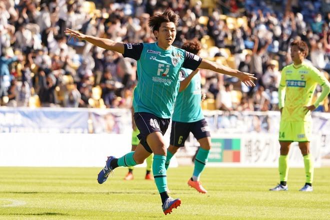 【J2】首位福岡が15戦無敗で2位徳島との勝点差を3に広げる! 北九州は松本に敗れ9戦未勝利…磐田・遠藤の移籍後初ゴールも