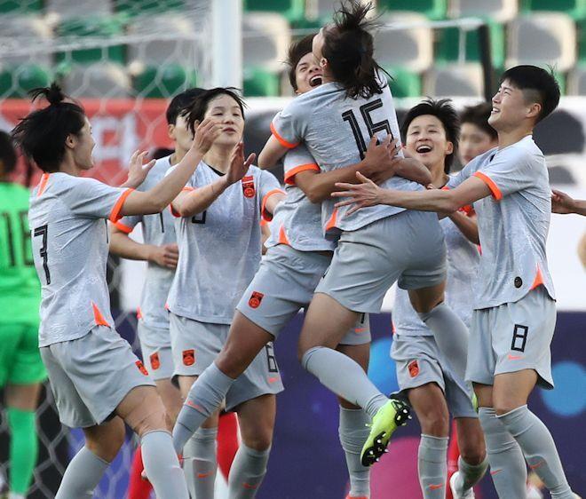 元G大阪のカ・シュウゼン監督も男泣き!中国女子代表、韓国との激闘を制して五輪出場決定に母国メディア歓喜!「奈落の底から東京へ」