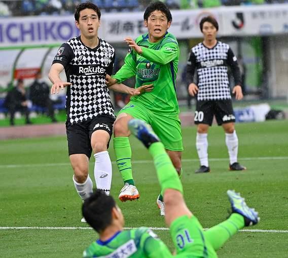 簡単には負けない湘南、ここ5試合で1失点の堅守! 劇的な守備力向上の陰に元日本代表の山口智コーチの存在