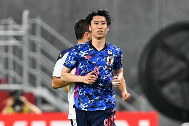 「攻めあぐねてる」「鎌田くん警戒されてるなあ」セルビア相手に前半無得点の日本代表、ファンも悶々?