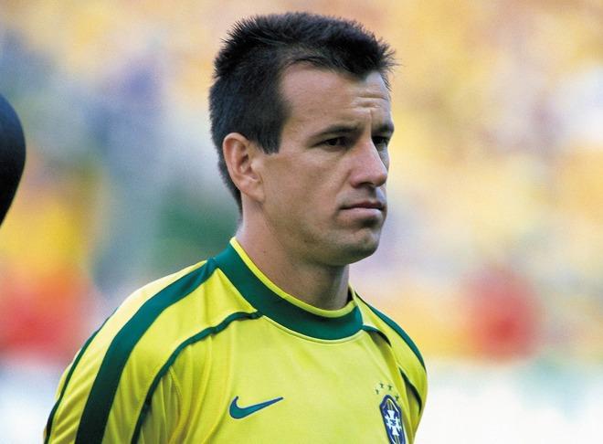 「守備がとても良い。ただ…」元ブラジル代表ドゥンガが日本代表に檄! 必要なのは「ドリブルができるFW」