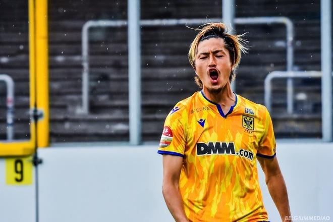 ヘンク伊東との日本人対決で、STVV鈴木優磨が今季初ゴール! 林大地のキープから、橋岡大樹がクロスでお膳立て