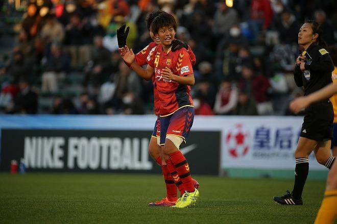 【皇后杯】京川舞が延長戦の2ゴールでINACを決勝に導く。後輩に受け継がれた澤穂希のメンタリティ