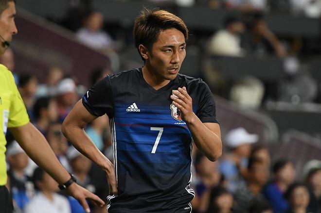 【日本代表】背番号7は「俺が受け継ぐ」。遠藤保仁から激励を受けた倉田秋の決意