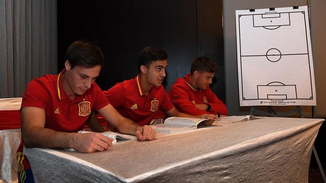 最強スペインはここが違う! U-17W杯期間中も選手たちは「文武両道」を貫く