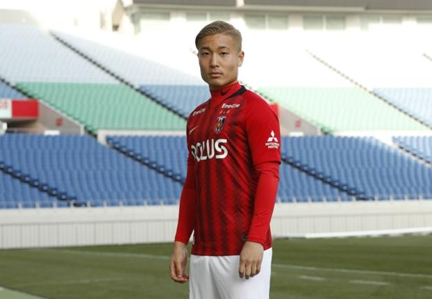「この移籍にも運命を感じている」。山中亮輔、赤いユニフォームをまとう決意