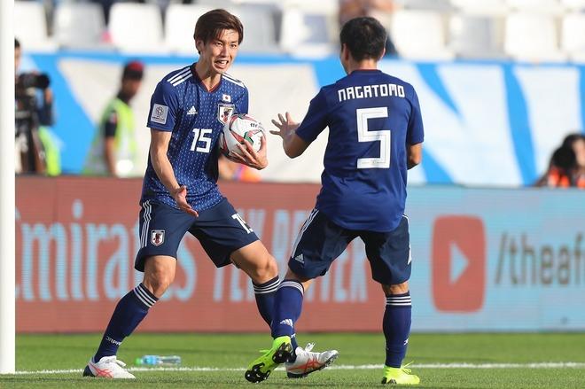 日本は意外にも「ファウル数最多」「パス総数9位」。準々決勝を前にスタッツランキング!|アジア杯