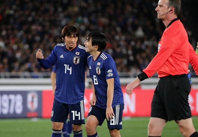 【橋本英郎】日本の前半の守備は完璧な出来栄え! ただ新三銃士は香川&乾コンビに対して…