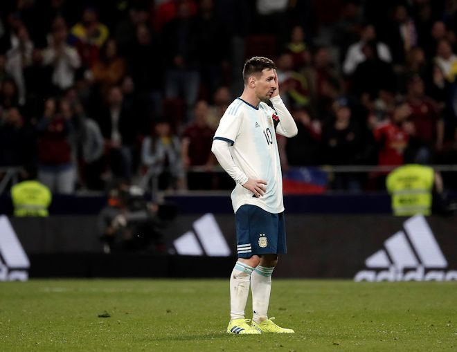 【現地発】批判、嫉妬、威嚇、除け者、孤独…アルゼンチン代表はメッシに苦難しか与えない
