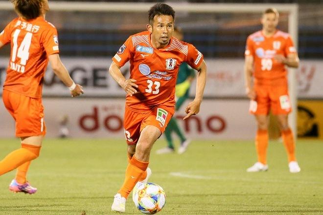歴代2位の大記録、20年連続ゴールを達成!愛媛FCで奮闘する山瀬功治の新たな野望