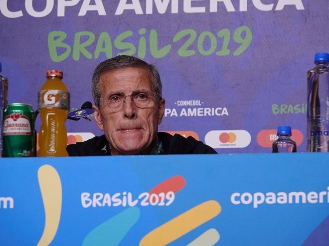 ウルグアイのタバレス監督が日本との再戦へ自信。昨年10月に敗戦も「負けた時は違うチームだった」【コパ・アメリカ】