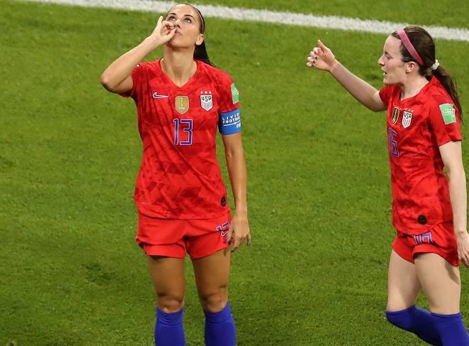 「これは不快」「宣戦布告だ!」女子W杯決勝進出のアメリカ、ゴラッソを決めたエースのセレブレーションが物議!