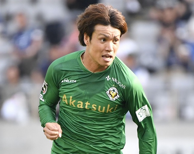 今季キャリアハイ、32歳Jリーガーのプロを生き抜く秘訣。350試合出場達成の東京V小池純輝は何を実践したか?