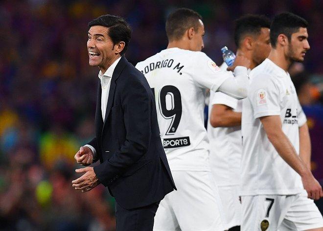 「チームの足を引っ張った」「不当だ」バレンシア監督の電撃解任に選手から批判の声! ファンも約9割が…