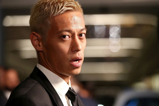 「まだ『家にいろ』の意味が分かってない人は…」本田圭佑が解説記事を紹介!「これ分かりやすい!」と日本代表選手たちも反応