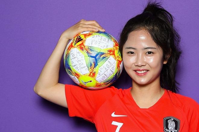 「ママも可愛いね!」「まるで姉妹」韓国女子代表、イ・ミナが公開した実母との貴重2ショットに反響続々!