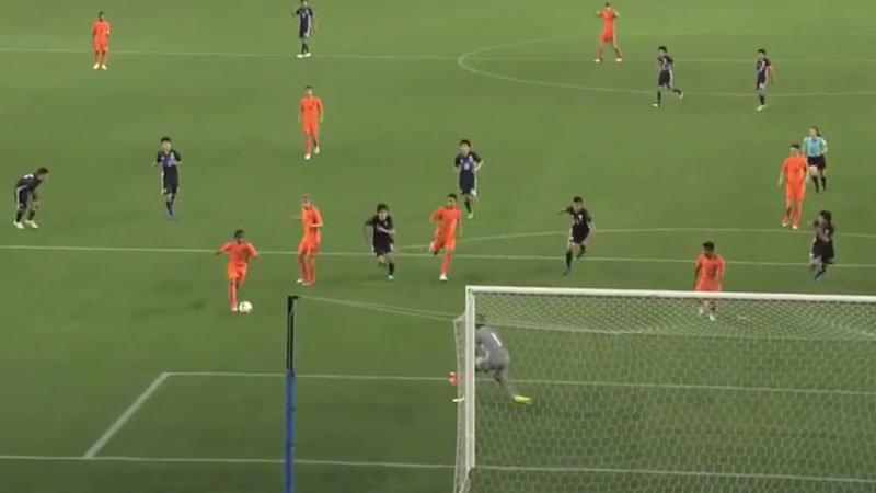 若き日本代表、先制してペースを握るもオランダに逆転負け。サマーヴィルが躍動