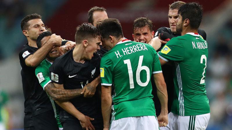 NZの激しいチャージに苦戦したメキシコ、逆転勝利で勝点3を確保