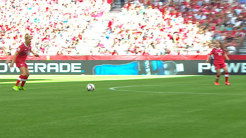 DFのミスをついたテイラーのゴールでイングランドが先制!