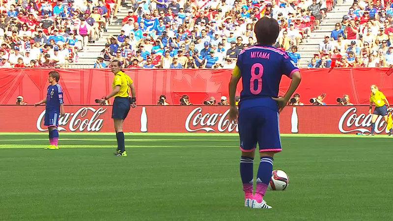 日本、ジョンストンのオウンゴールで2−4 2点差に