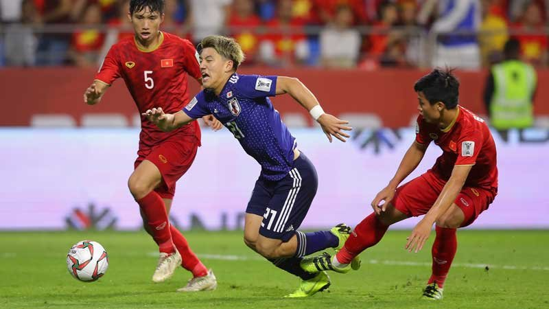 VARが試合を決めた?!日本が堂安のPKでベトナムを破り準決勝進出