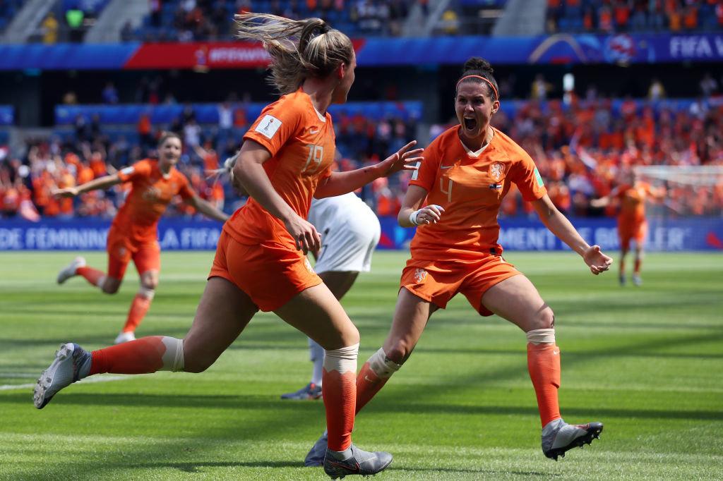 終了間際の劇的ゴールでオランダがニュージーランドを下す【FIFA女子ワールドカップ - グループE 第1節 ハイライト動画】