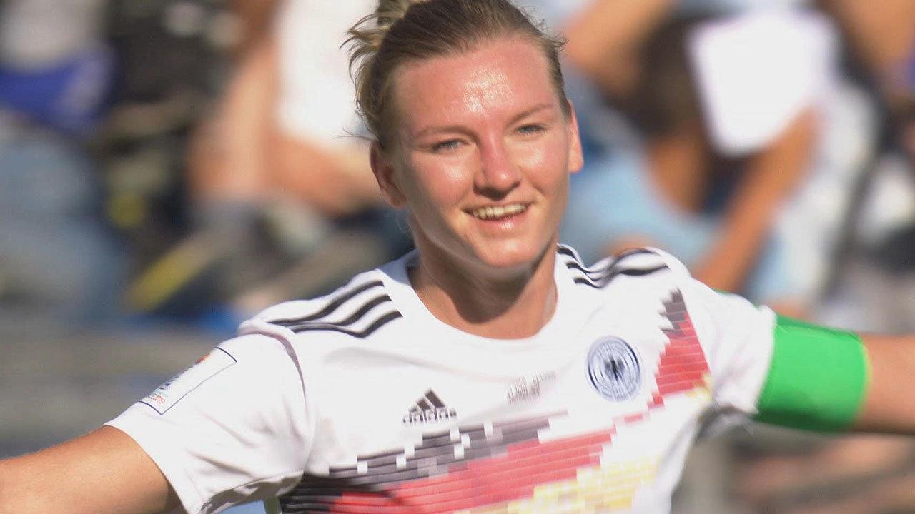 ドイツが南アフリカに4-0完封勝利!GL3連勝で首位通過を決める【FIFA 女子ワールドカップ - グループB第3節 ハイライト動画】