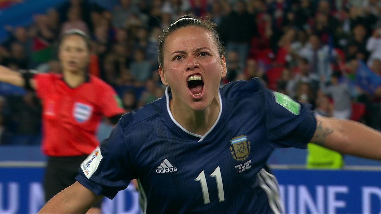 3点ビハインドからアルゼンチンが追いつき執念のドロー!スコットランドは無念のGL敗退【FIFA 女子ワールドカップ - グループD第3節 ハイライト動画】