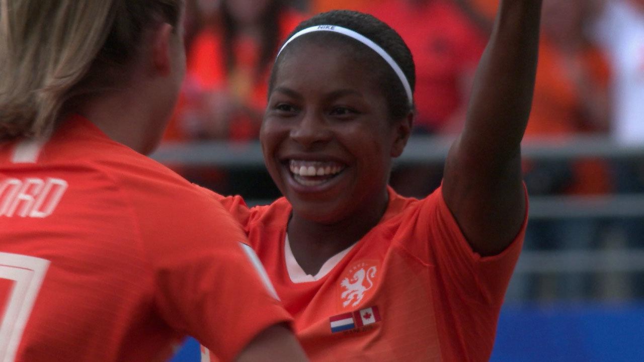 欧州女王オランダがFIFAランク5位のカナダを撃破!決勝T1回戦、日本の相手はオランダに!【FIFA 女子ワールドカップ - グループE第3節 ハイライト動画】
