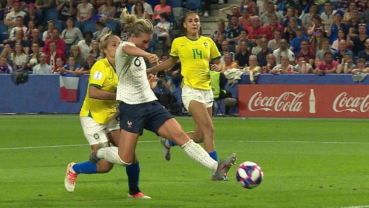 開催国フランス、延長戦の末にブラジルに競り勝ち3大会連続のベスト8【FIFA 女子ワールドカップ - ラウンド16 ハイライト動画】