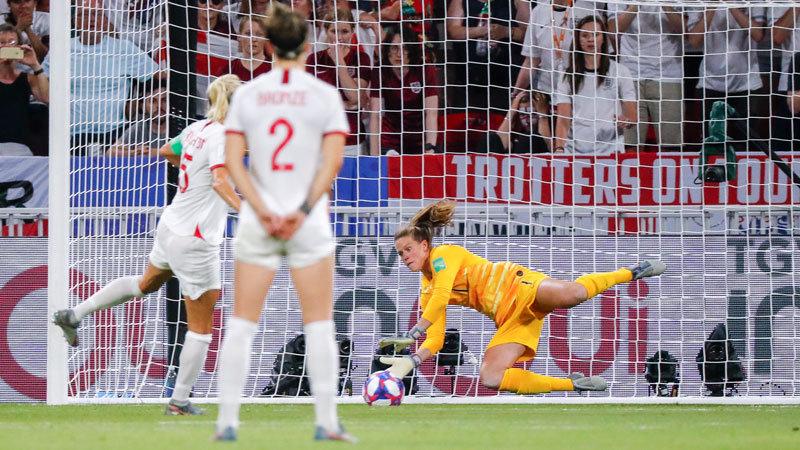 女子W杯:絶対王者アメリカがハイレベルな一戦を制す。イングランドを振り切り3大会連続の決勝進出