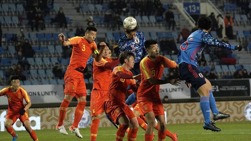 中国のラフプレーに悩まされるも鈴木、三浦のA代表初ゴールで日本がE-1初戦勝利